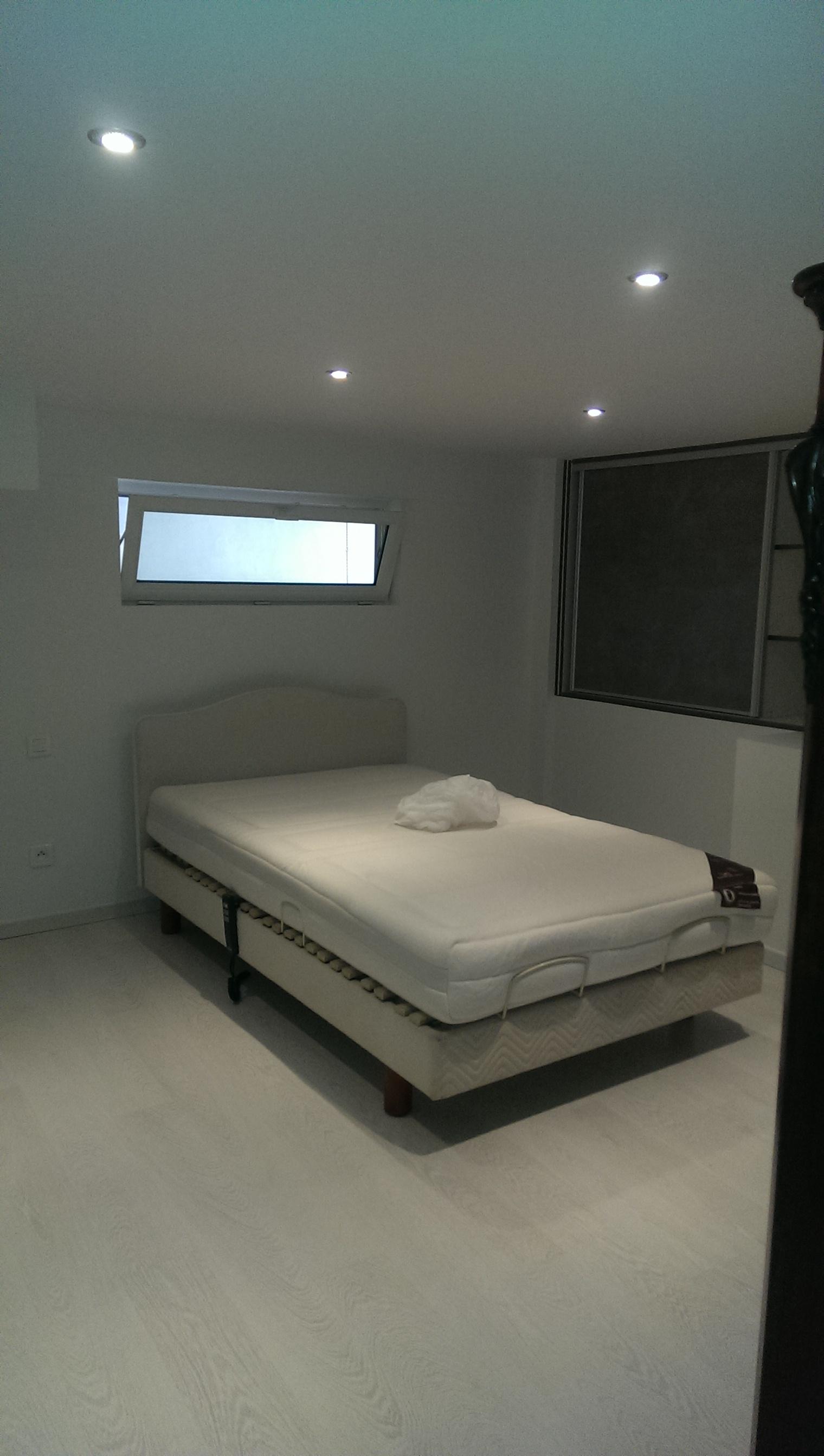 aménager un garage en chambre - fashion designs - Amenager Une Chambre Dans Un Garage