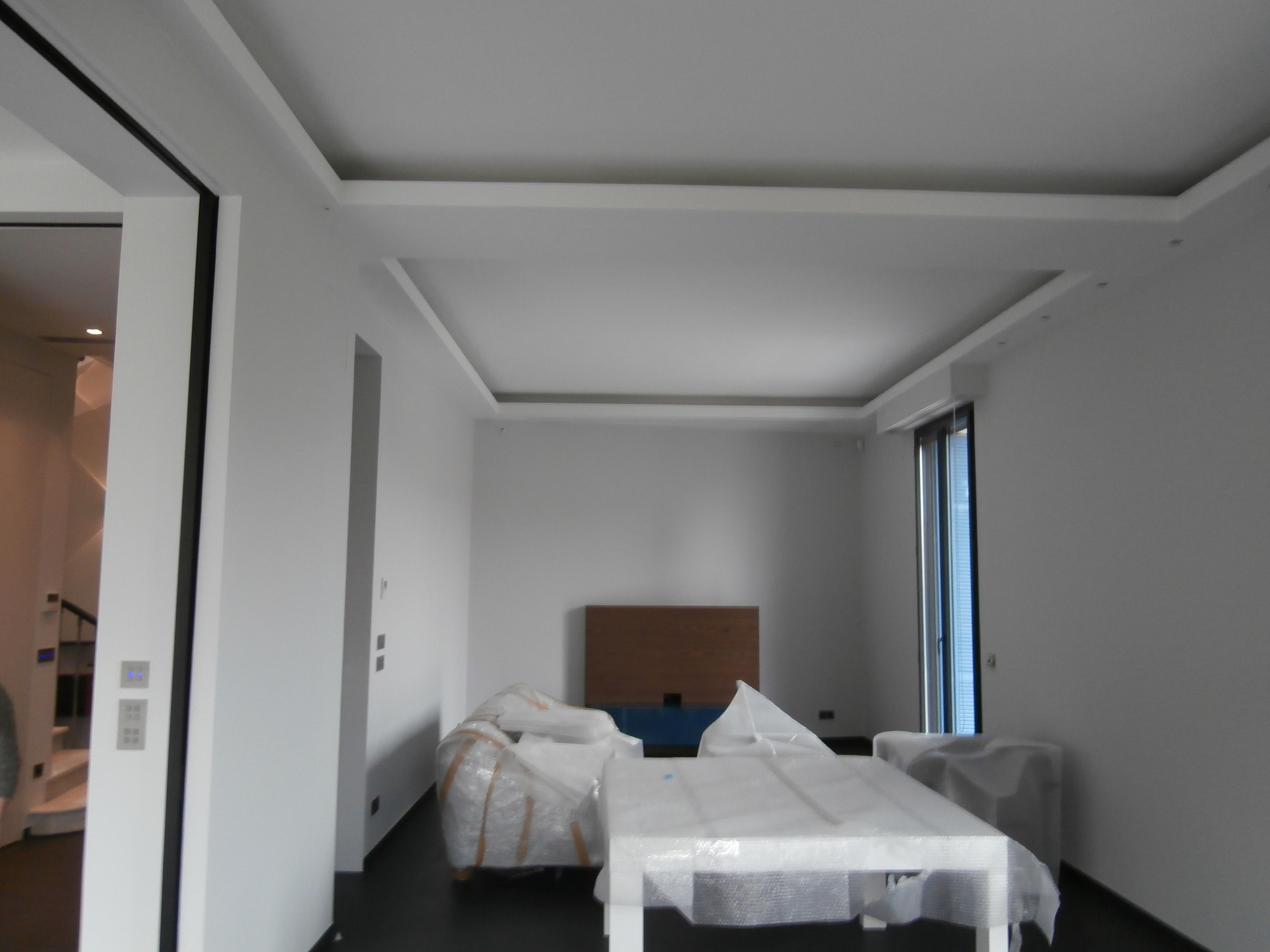 Cloisons faux plafond renovation interieur nice am monaco for Faux plafond magasin